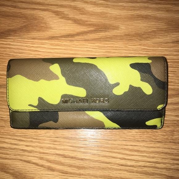 Michael Kors camouflage camo jet set wallet